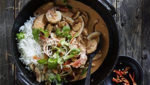 Butter chicken & prawn curry