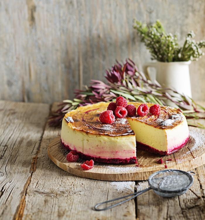 Red-Velvet Cheesecake