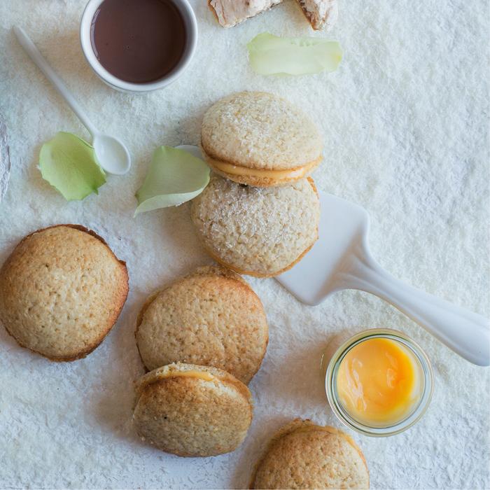 Coconut and lemon whoopie pies
