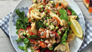 Tuna and bean fattoush