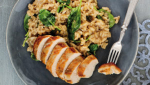 Spinach risotto with roast chicken