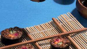 Red quinoa sushi rolls