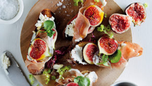 Ricotta, fig and prociutto crostini