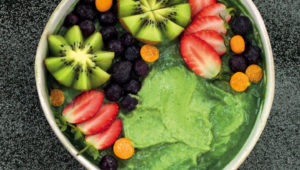 Spirulina mermaid smoothie bowl