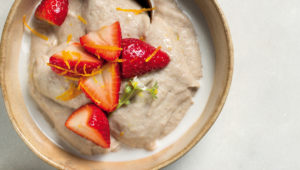 Buckwheat-coconut porridge with zesty strawberries