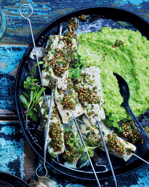 Hake kebabs with mushy peas