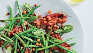 Green beans with crispy pancetta, roasted chickpeas and mint
