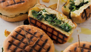 Spinach, garlic and feta braaibroodjies