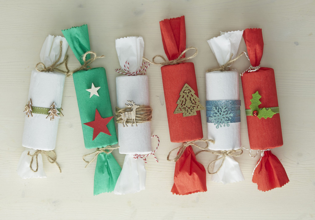 Christmas Crackers Diy.Make Your Own Diy Christmas Crackers This Year Mykitchen