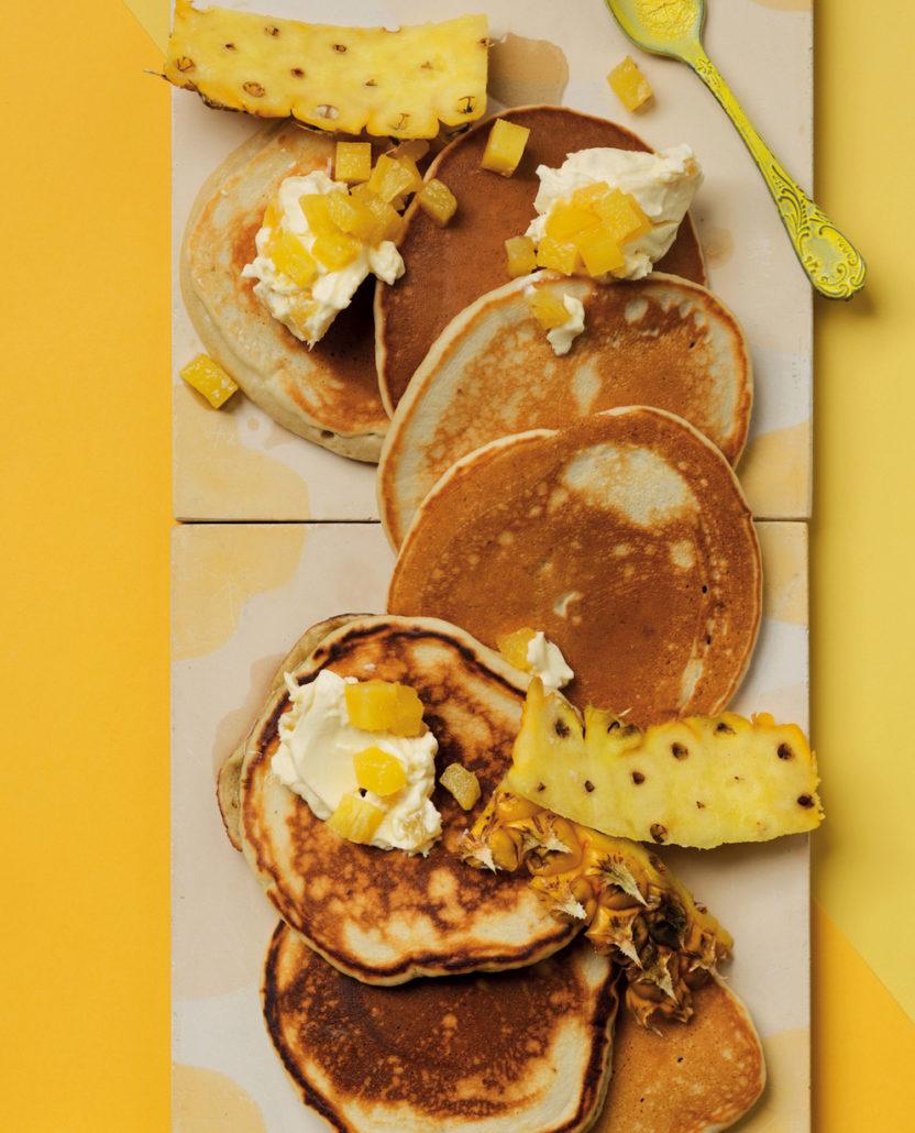 Banana flapjacks with pineapple cream