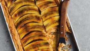 Mascarpone, peanut butter and banana tart