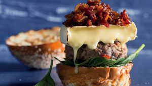 Maple bacon beef burgers