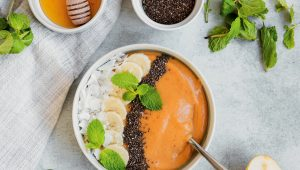 Pear and rooibos smoothie bowls