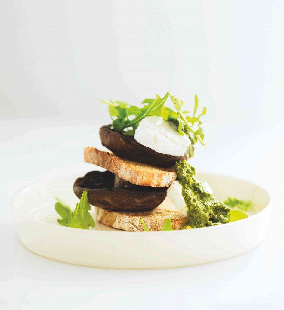 Mushrooms, rocket and goat's cheese on sourdough