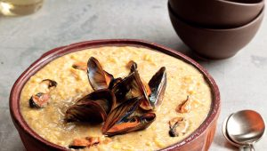 Classic corn and mussel chowder