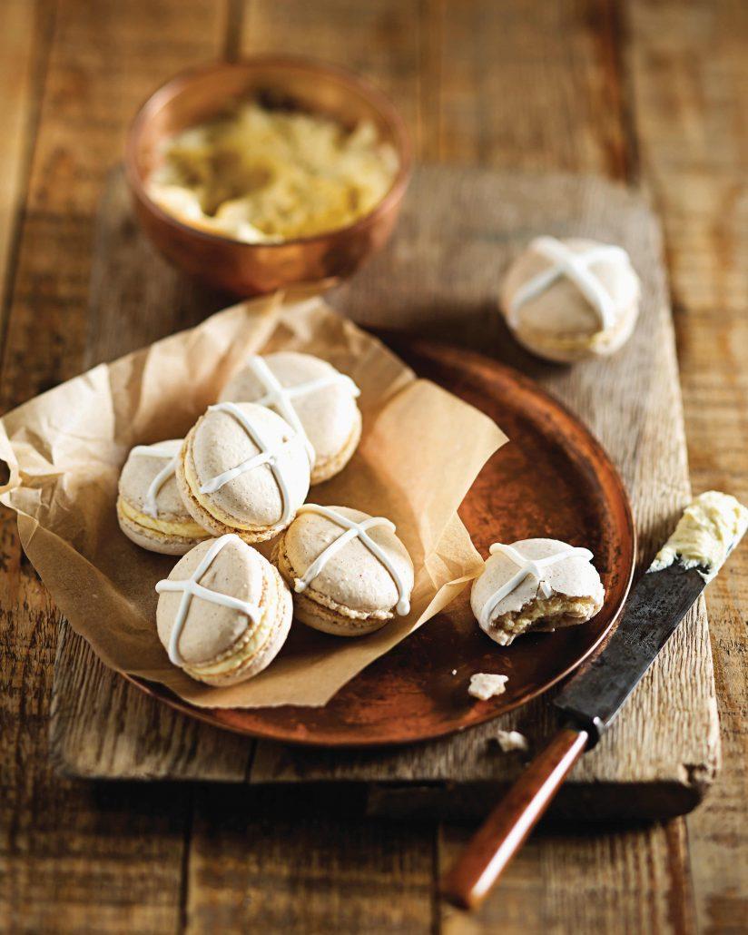 Hot cross bun macarons