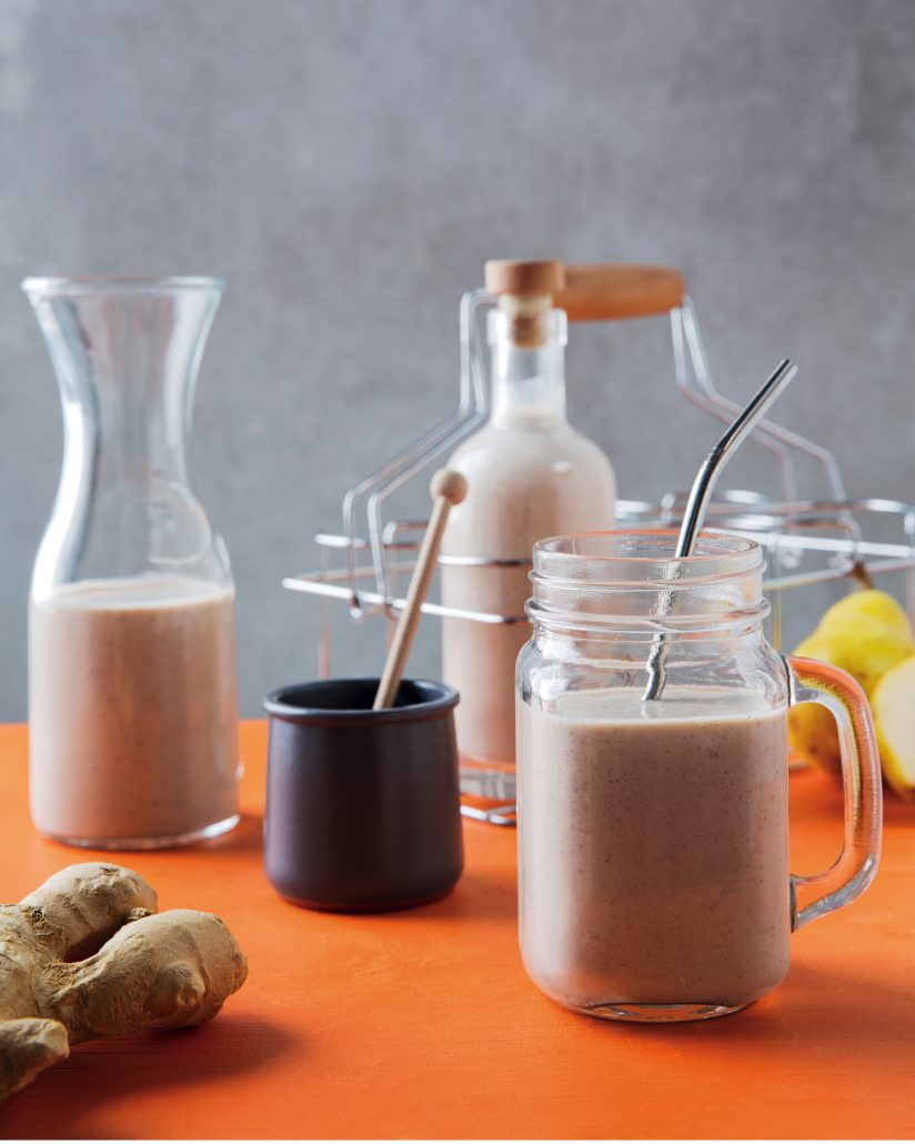 Warm pear gingerbread oatmeal smoothie