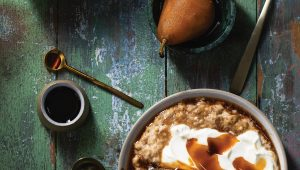 Poached pears and spiced creamy oats