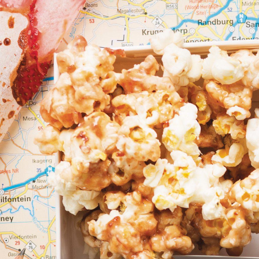White chocolate and strawberry popcorn