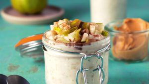 Cardamom and pear overnight oats