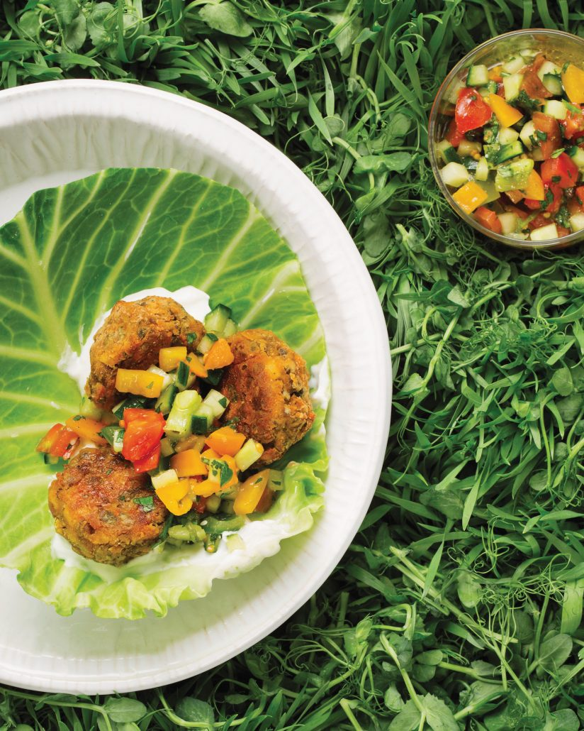 Lentil falafel with cabbage cups