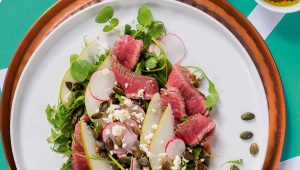 Steak and pear salad