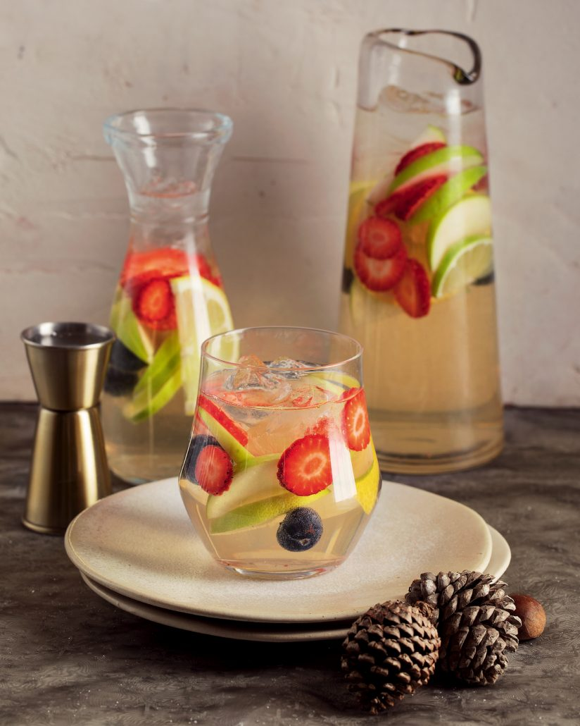 Fruity white sangria