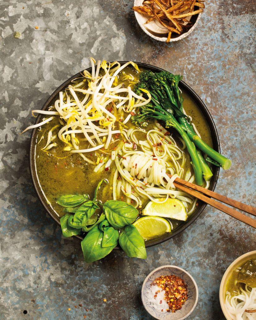 Vegan green curry with crispy galangal
